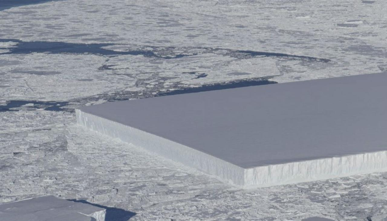 NASA-ICE-square-iceberg-1120
